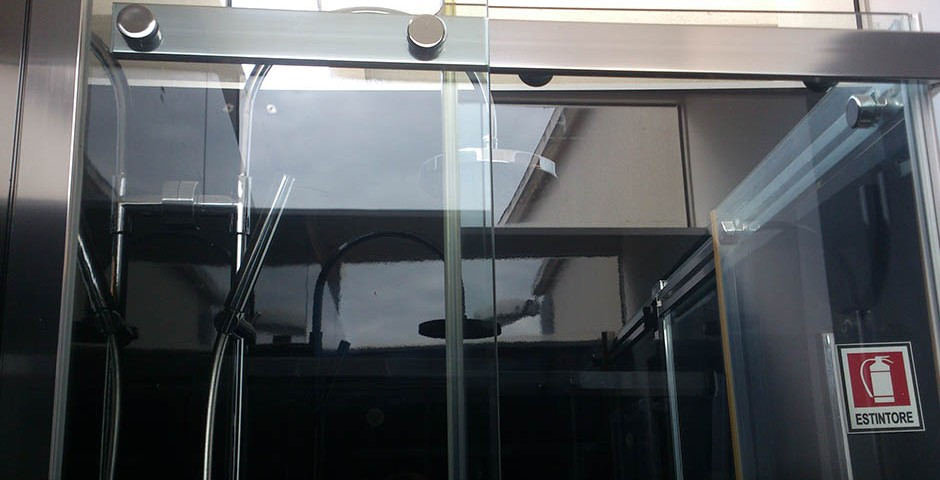 BOX DOCCIA TITAN MOD EXTREME - Ciriachi - Soluzioni per l ...